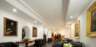 Hotel Caprice hall